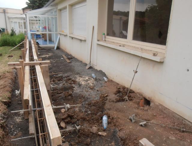 11-07-2014-coffrage-du-muret-en-beton